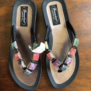 NWT Grandco Sandal Co Jeweled Flip Flops